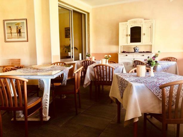 Sala ristorante in hotel3stelle a Imperia