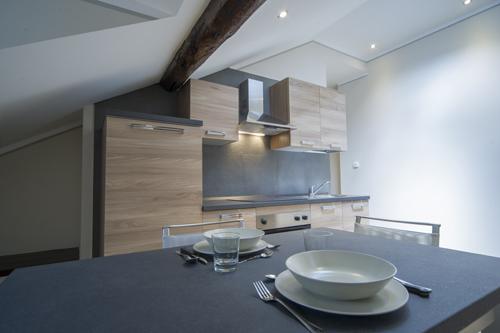 Appartamento centro Bardonecchia cucina completa piatti e pentole
