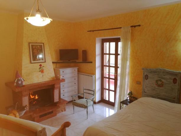 Romantico soggiorno con camino Hotel i Cavalli Bracciano