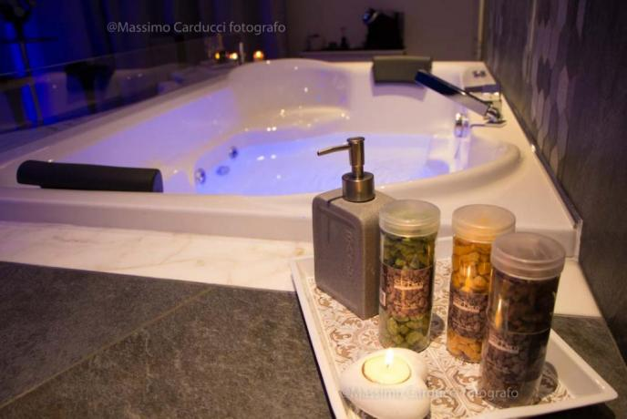 Jacuzzi 2 posti in Romantica Luxury Suite