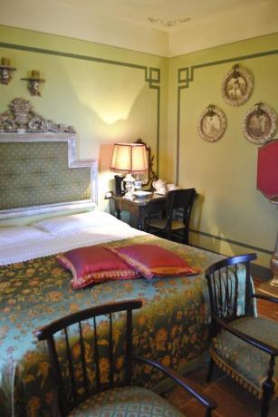 Camera Matrimoniale in Villa di Lusso