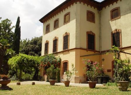 Agriturismo con appartamenti indipendenti giardino a Umbertide