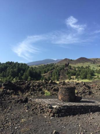 Pozzo antico dell'hotel nel Parco dell'Etna
