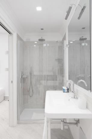 Bagno camera Superior hotel Finale Ligure