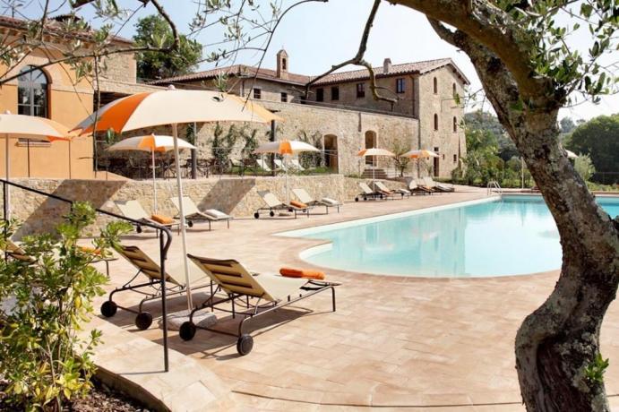 Hotel 5stelle con piscina a Perugia