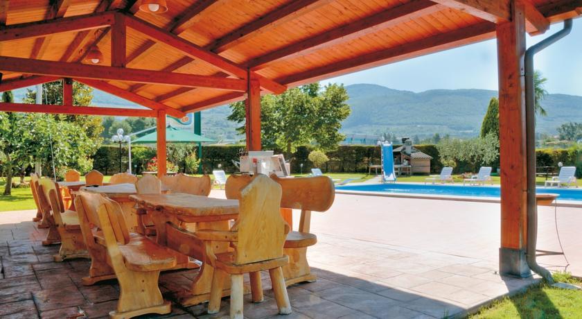 Piscina per gli ospiti dell'Agriturismo Assisi