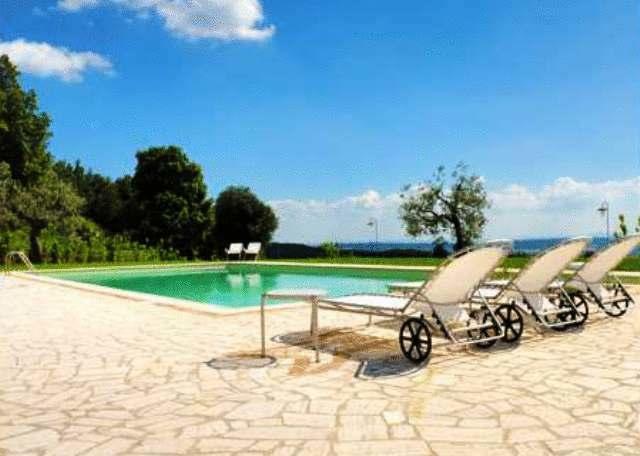 Casale vista panoramica a Terni