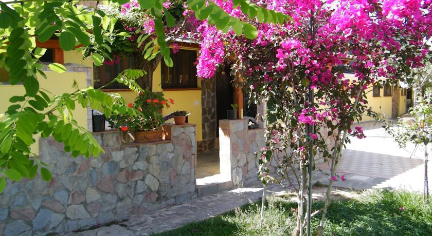 Alloggio con giardino privato, Villaggio Palinuro