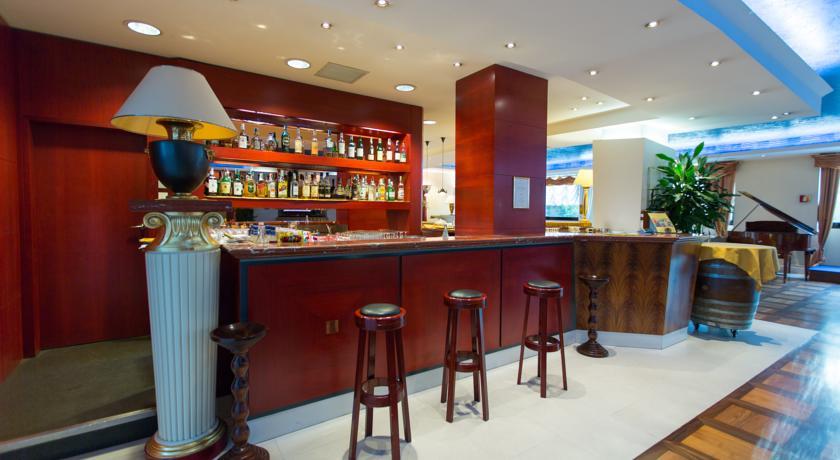 bar, ristorante, sala congressi hotel a Roma