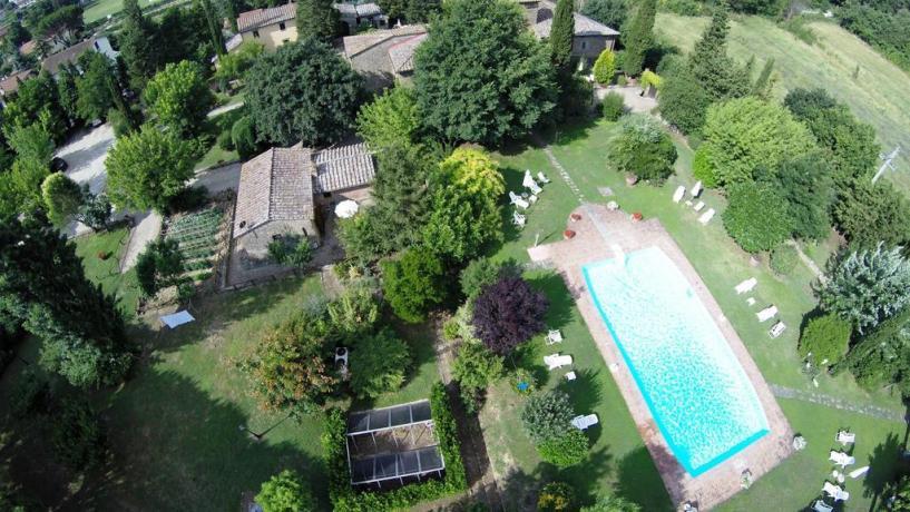 Casale in Toscana con Appartamenti