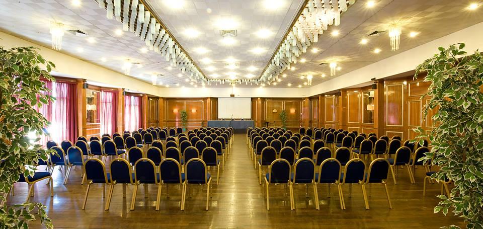 Salone adibito a convegni