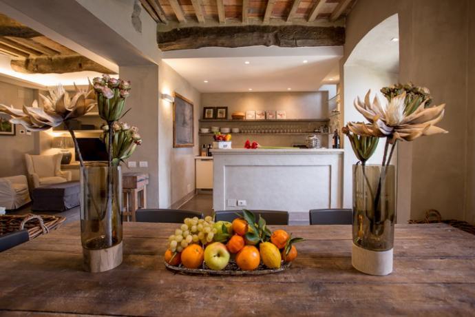 cucina-attrezzata villa da 10 persone sul lago Trasimeno
