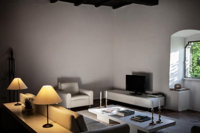 Appartamenti con arredi moderni in Hotel a Labro