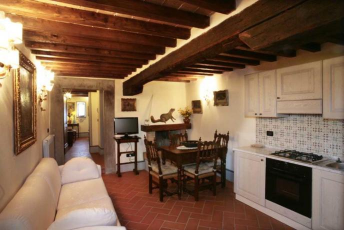 appartamento vacanze Glicine 2persone uso cucina Capolana-Arezzo-Toscana