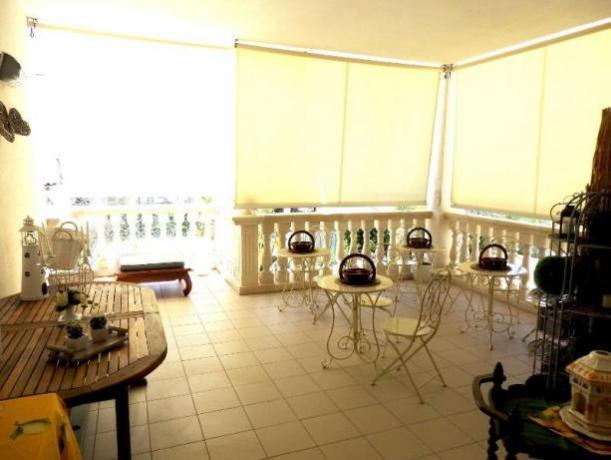 Casa vacanze a gallipoli con portico e piscina