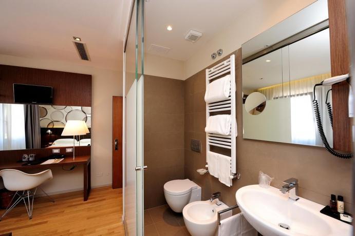 Bagno della suite con idromassaggio