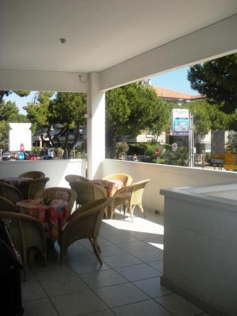 Hotel con portico per colazione a Silvi Marina