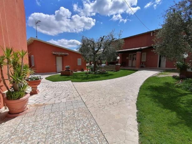 Camere per coppie e famiglie con giardino Manciano-Grosseto