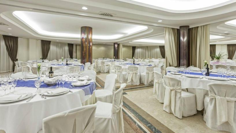 Sala ristorante albergo elegante 4 stelle Avezzano