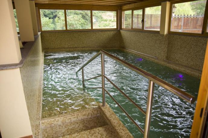 Agriturismo vicino Roma- piscina coperta