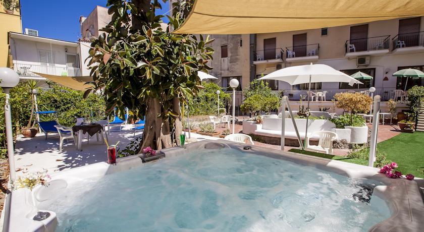 Piscina dell'Hotel Porto di Ischia