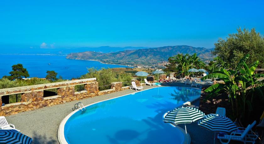 Piscina con Vista Mare - Santa Margherita