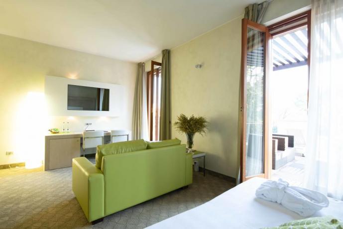 Suite vicino Milano con TV satellitare Sky