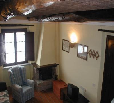 appartamenti vacanza castello soggiorno con camino