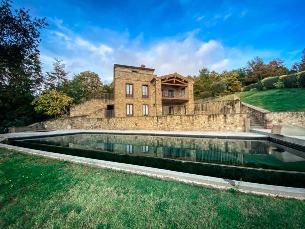 Piscina a sfioro in Villa, vacanze Lago Trasimeno