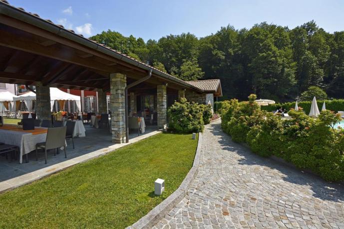 Hotel 4 stelle con enorme giardino