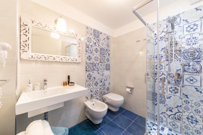 Hotel Zaffiro con Camere con Bagno Privato