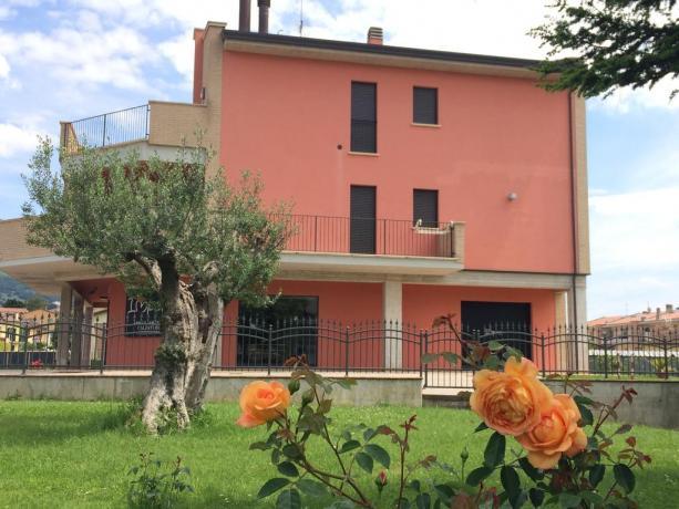 Camere e Appartamenti con vista su Assisi