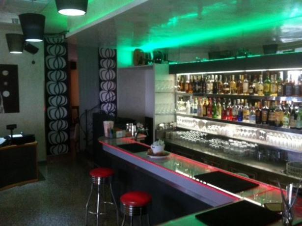 Hotel Bar Ristorante in centro sul mare