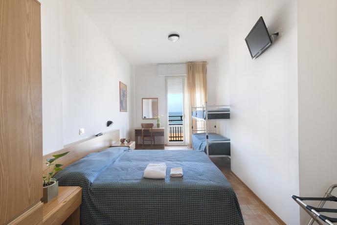 Hotel a Pesaro con Camera quadrupla vista mare