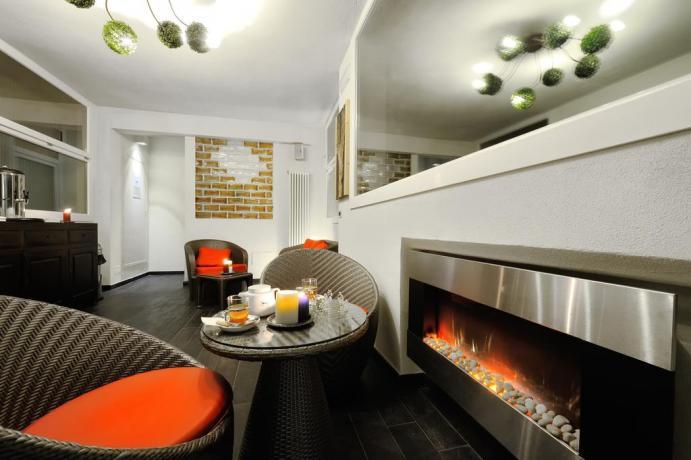 Zona relax + camino Hotel Emilia-Romagna