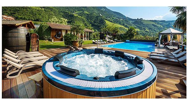 Poltrone e salotti da giardino per bordo piscina arredo per esterni arredamento giardino n - Mini piscine da giardino ...