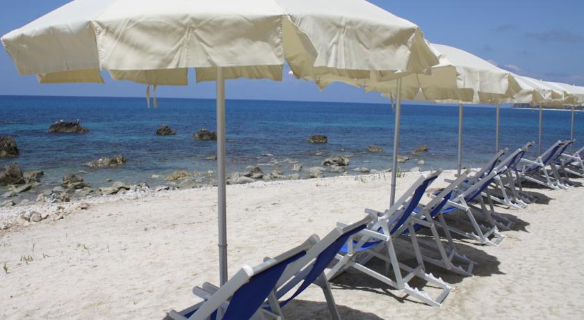 Villaggio fronte Mare con Spiaggia Privata Parghelia