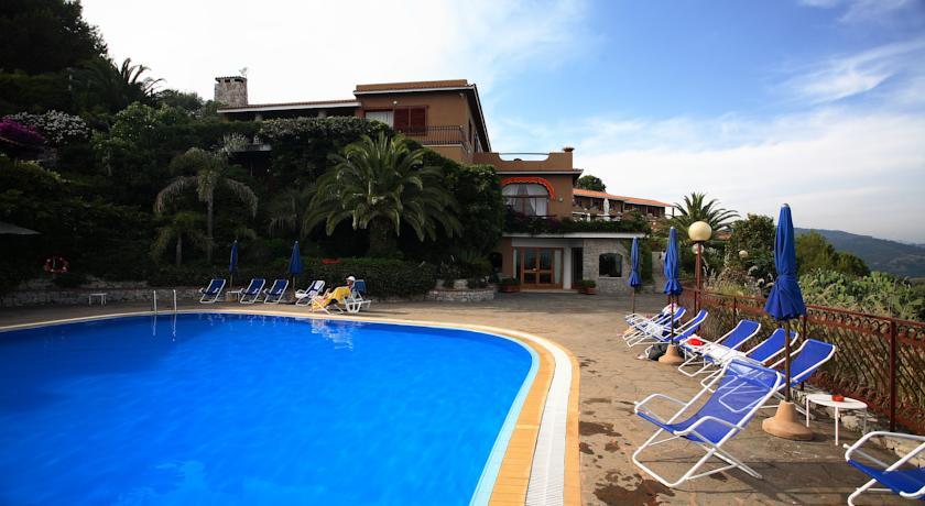 Hotel con Piscina Parco Nazionale del Cilento