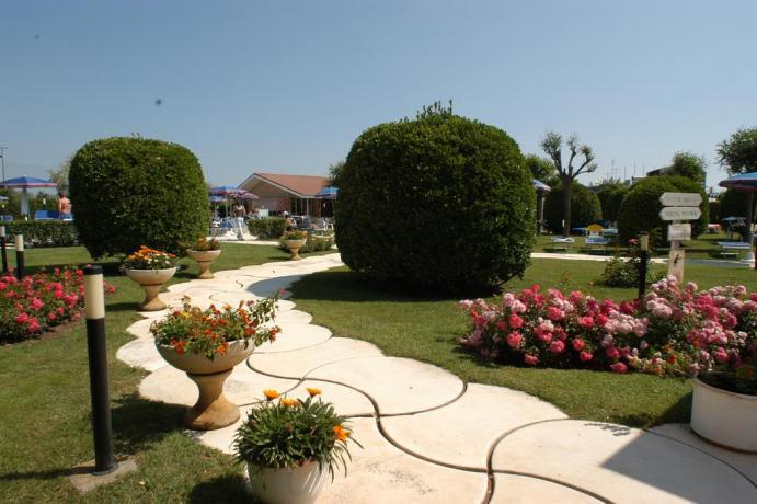Giardino Hotel molto curato in Emilia