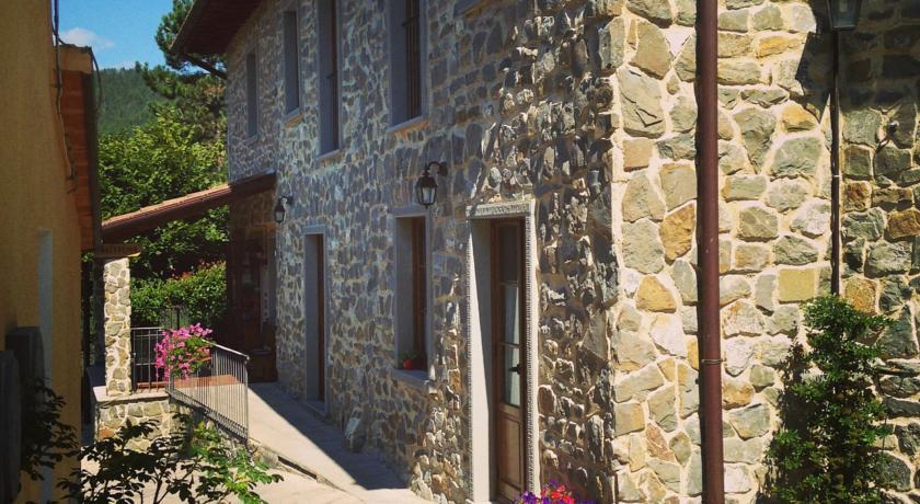 Resort a vista sul castello medievale di Poppi