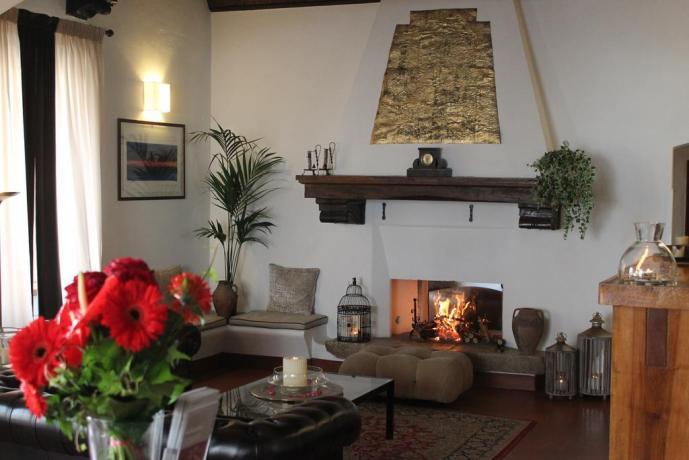 Hotel con Camino nel Salone a Spoleto