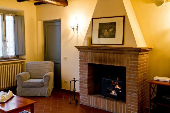 Relax con camino in Appartamento Vacanza a Narni