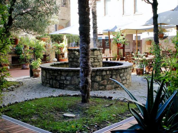 Albergo 4 stelle a Gubbio, Terrazza e Giardino