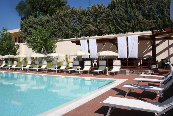 Piscina Idromassaggio e Miniclub Residence Centola Palinuro