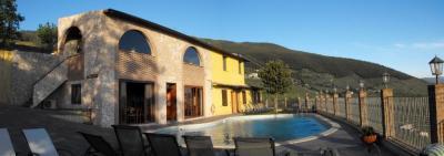 La country house e la piscina