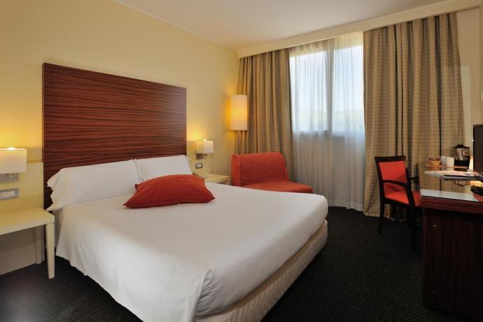 camera in Hotel 4 stelle a Perugia
