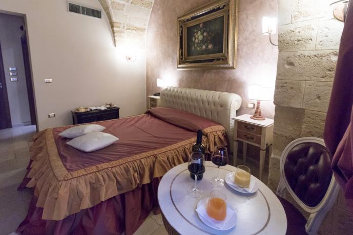 Prima colazione in camera a Cellino San Marco