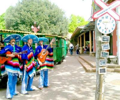 Animazione dei Mariachi alla Stazione centrale