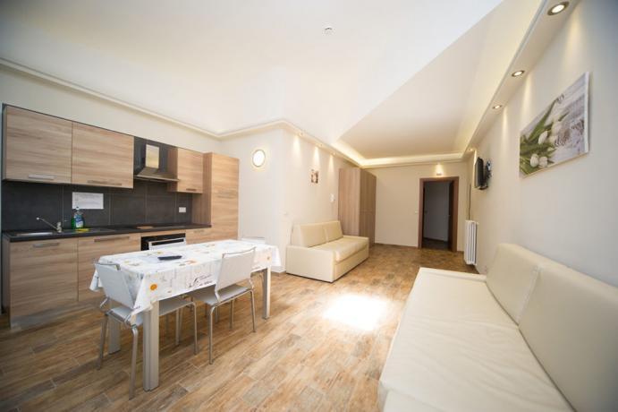 Appartamento-vacanze 4persone con cucina e soggiorno Bardonecchia