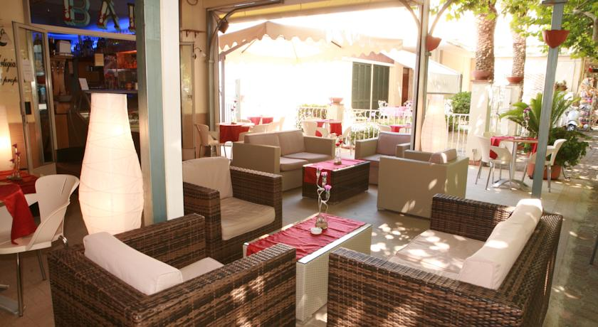 hotel-3-stelle-in-centro-vicino-al-mare-nel-golfo-di-policastro
